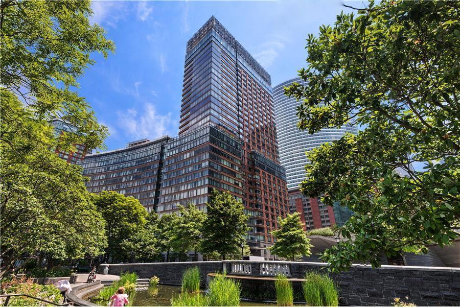 纽约曼哈顿下城的绿色环保节能大楼