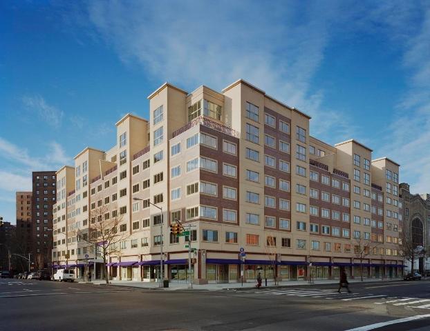 Building_1400_Fifth_Avenue_Condo.jpg