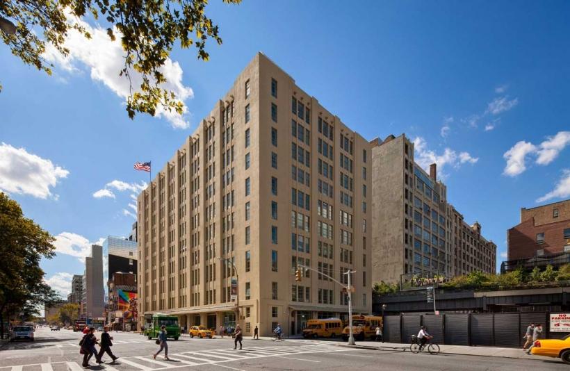 位于26街,高线公园旁的Avenues: The World School。