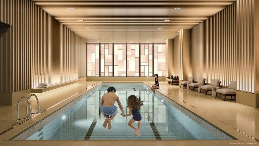 55英尺长的室内温水游泳池