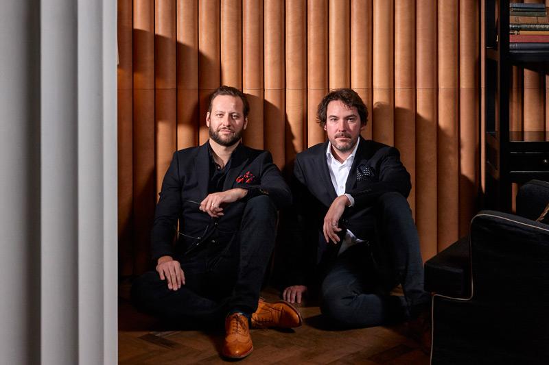 Elliot March 和 James White 是设计公司 March & White 的创办人
