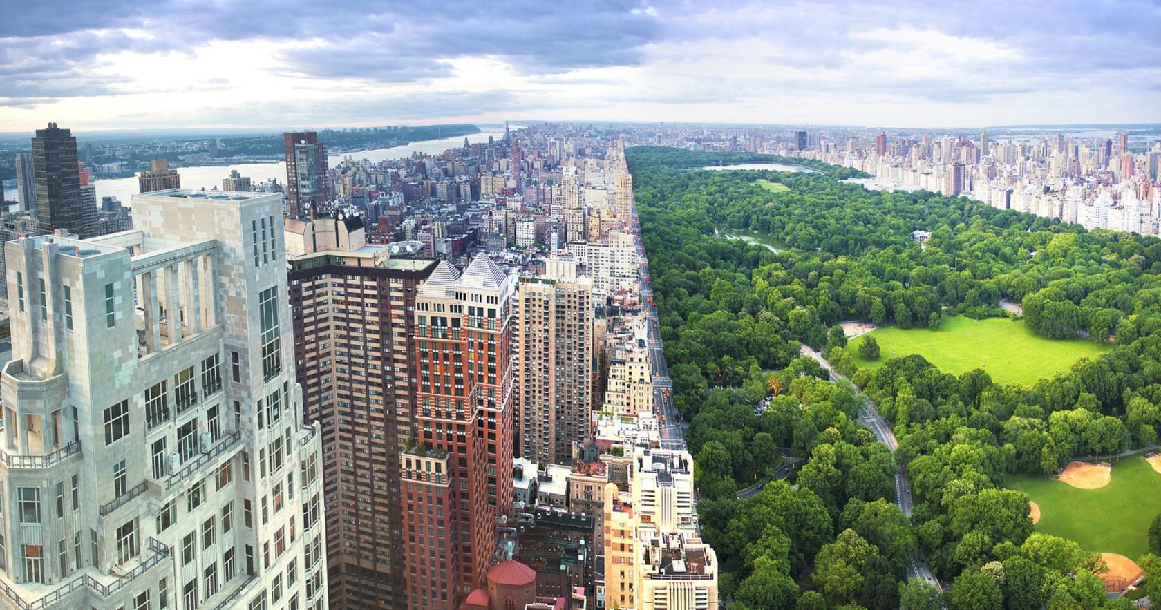 上西区的东边是纽约市的绿肺— 中央公园(Central Park)