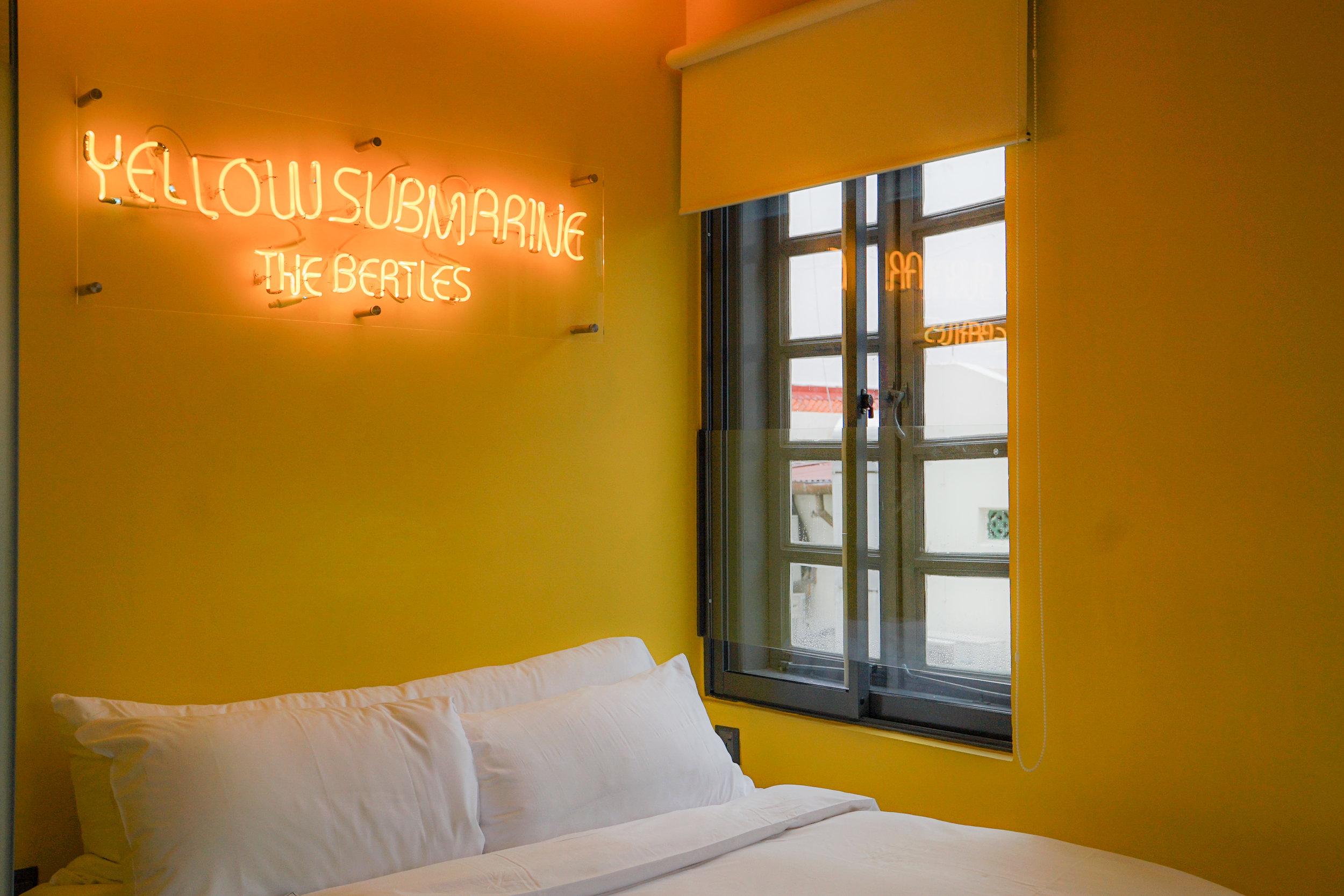 wanderlust hotel pantone room
