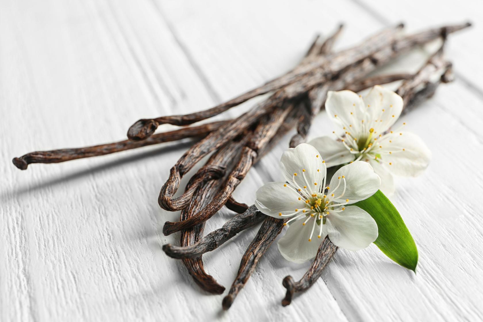 RECIPE 33 Infused Almonds Cinnamon Vanilla
