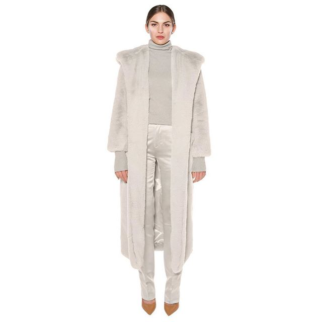 @thurmes.lu our beloved KELLY, hooded faux fur coat, is now available in  a warm light gray owl shade. Get yours now! www.thurmes.lu/jane  #fashion #teddycoat #fauxfur #grey #coat #art #design #onlineshopping #onlineboutique #makeup #style #shoppingonline #beauty #model #beautiful#warmup #ootd #hoodies #womenempowerment #luxury #lifestyle #womensfashion #envywear #picoftheday #sustainablefashion #fair #love #life #thurmes