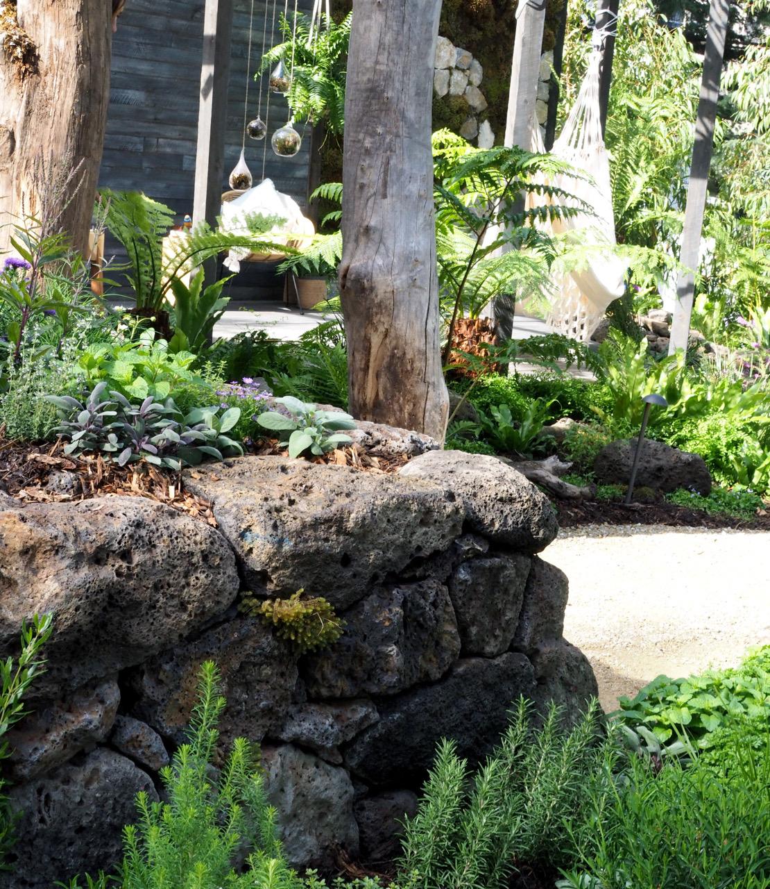 stone_garden_beds_melbourne.jpg