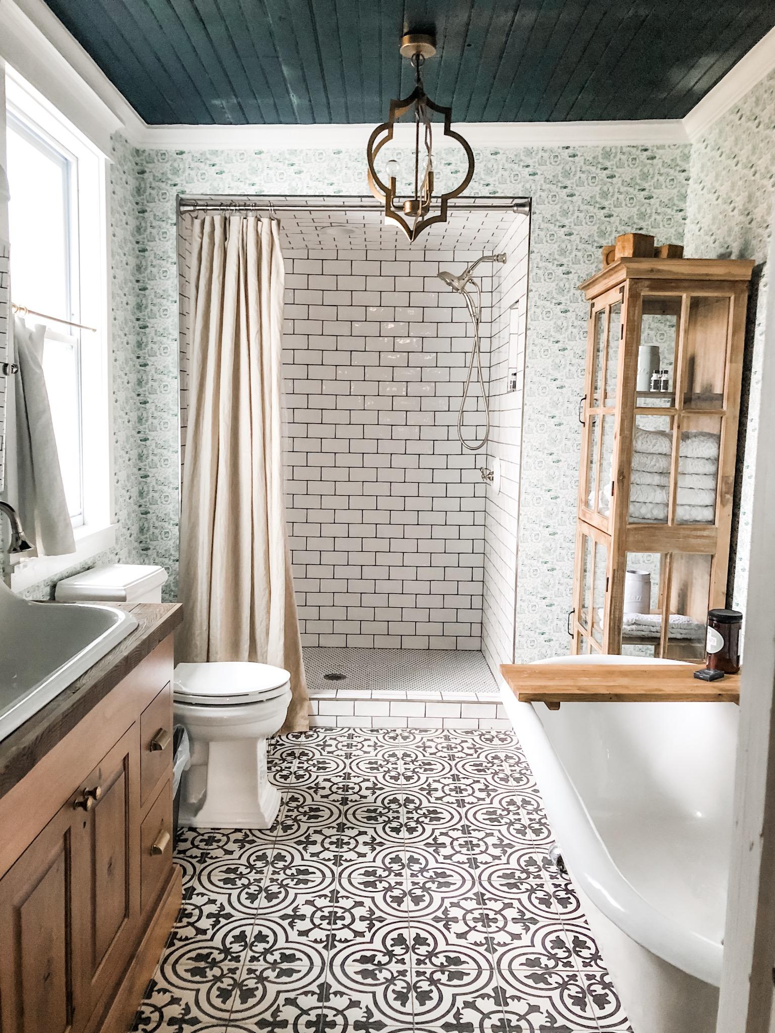 the dreamiest bathroom!