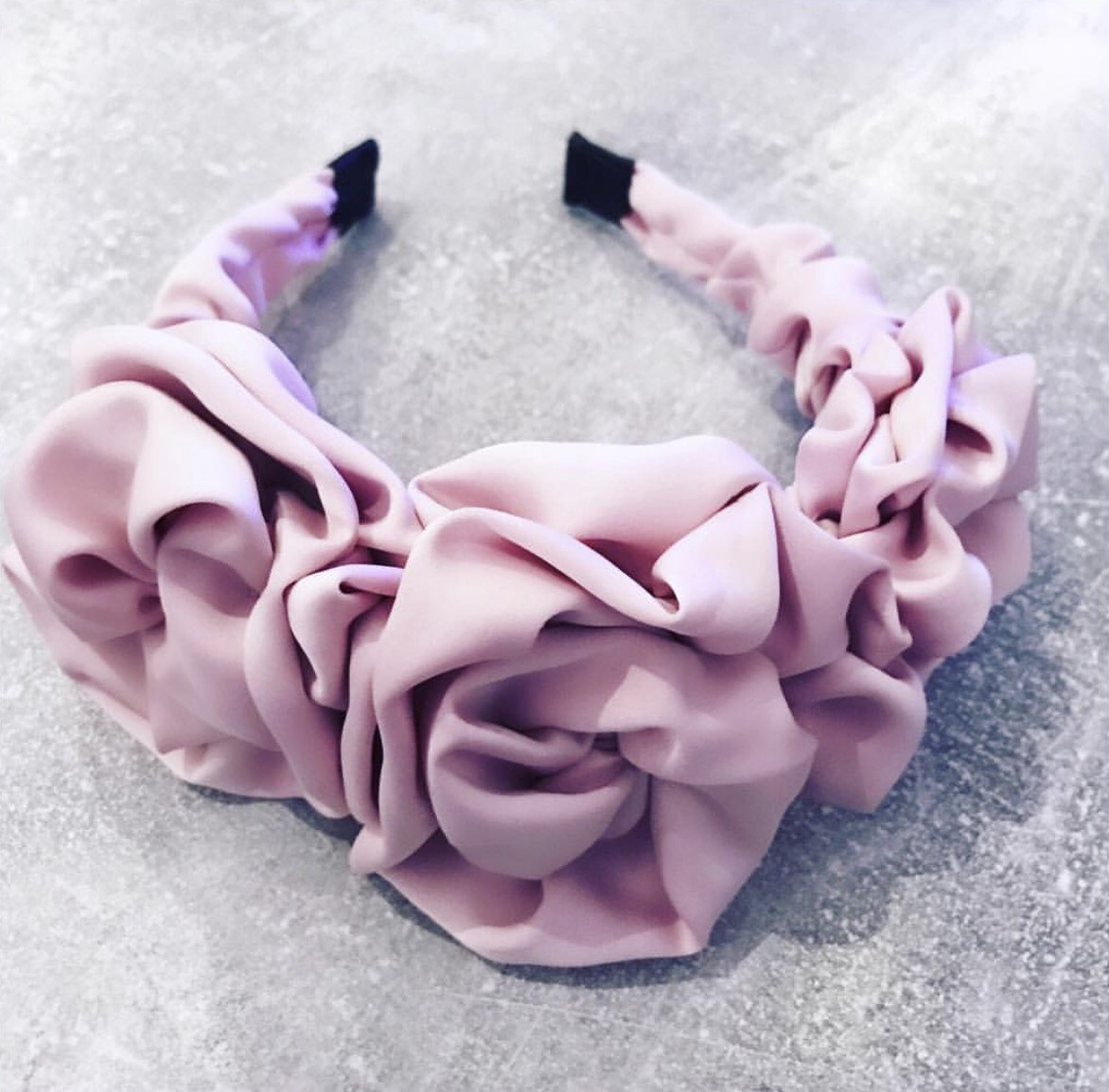 Josefine Thelin Flowery Di Headband Bubblegum Pink 2.jpeg