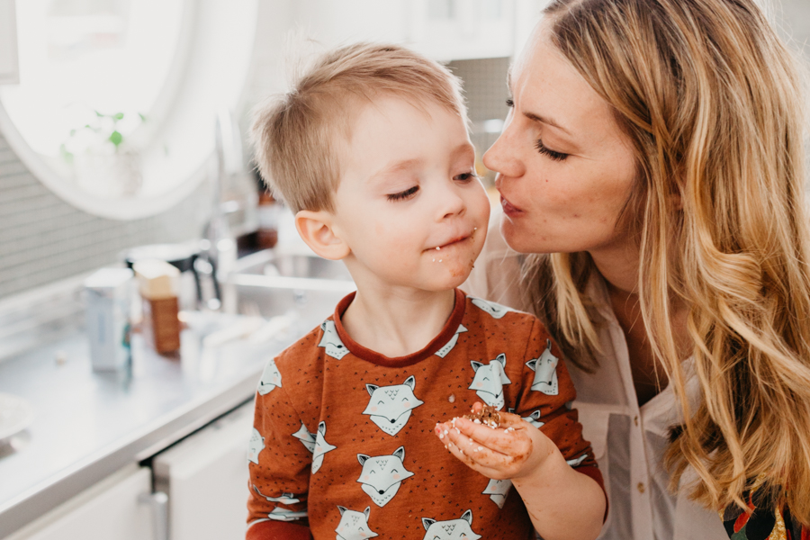 Baka chokladbollar med mamma