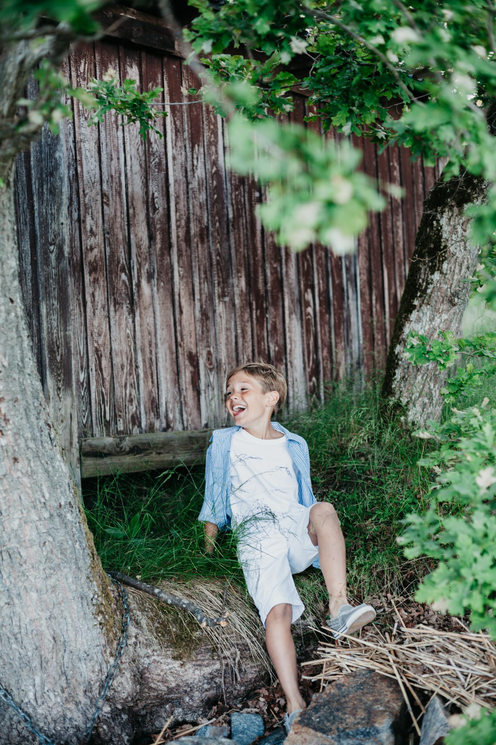 barnfotograf-stockholm-odd brown bird-1.jpg