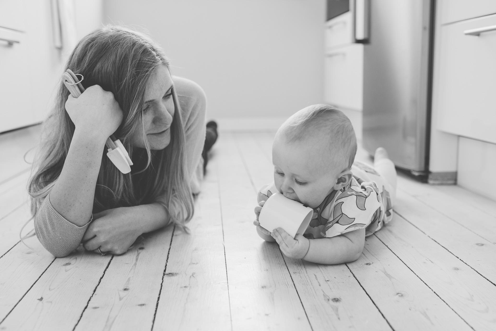 hur fotar man bebisar-lifestylefotografering i nacka