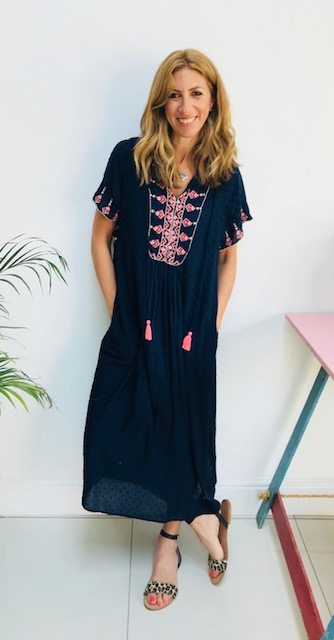 Navy kaftan dress: £39.99  ZARA   Kaftan  Splash of pink Super comfy