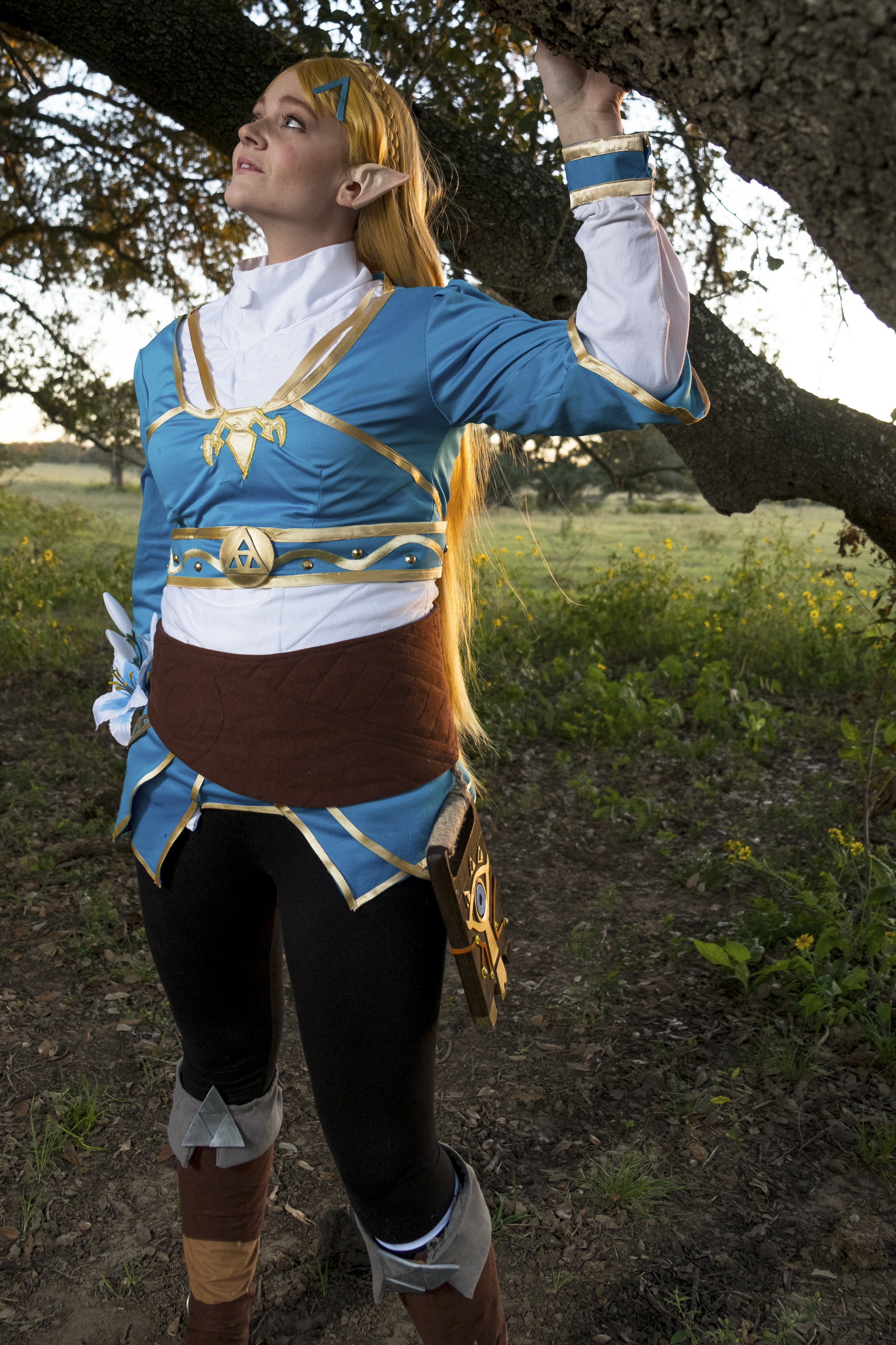 Allybelle Cosplay in Princess Zelda cosplay