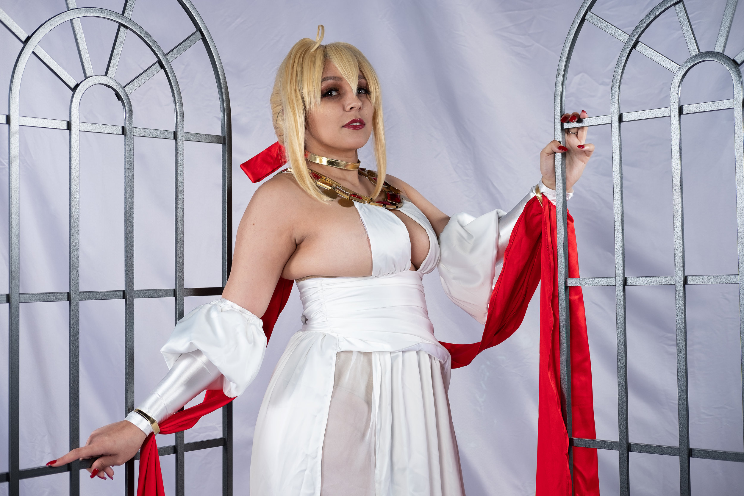 Mermaid Child cosplaying as Nero Claudius from Fate/Grand Order