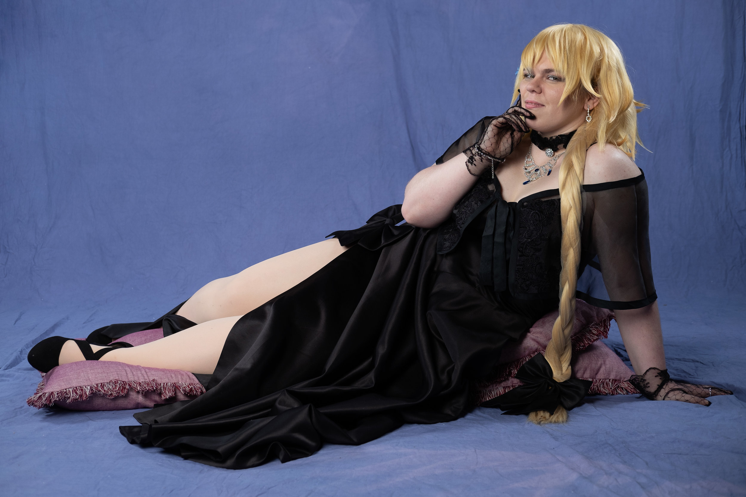 Tacocat Cosplay cosplaying as Jeanne d'Arc from Fate/Grand Order