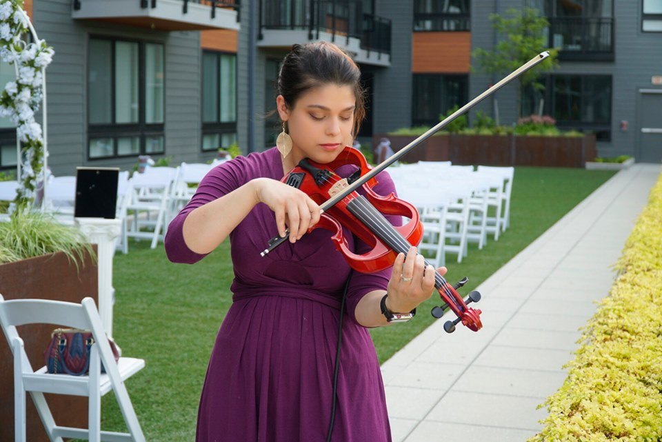 STEPHANIE MATHIAS : Violinist - Vocalist - Songwriter - Vocalist/violinist/pianist for private and corporate eventsElectric violinist for private and corporate eventsSession vocalist for recording and live eventsSession violinist for recording and live eventsCommissioned songwriter for your company, show, or event's theme songFor more information, CLICK HERE