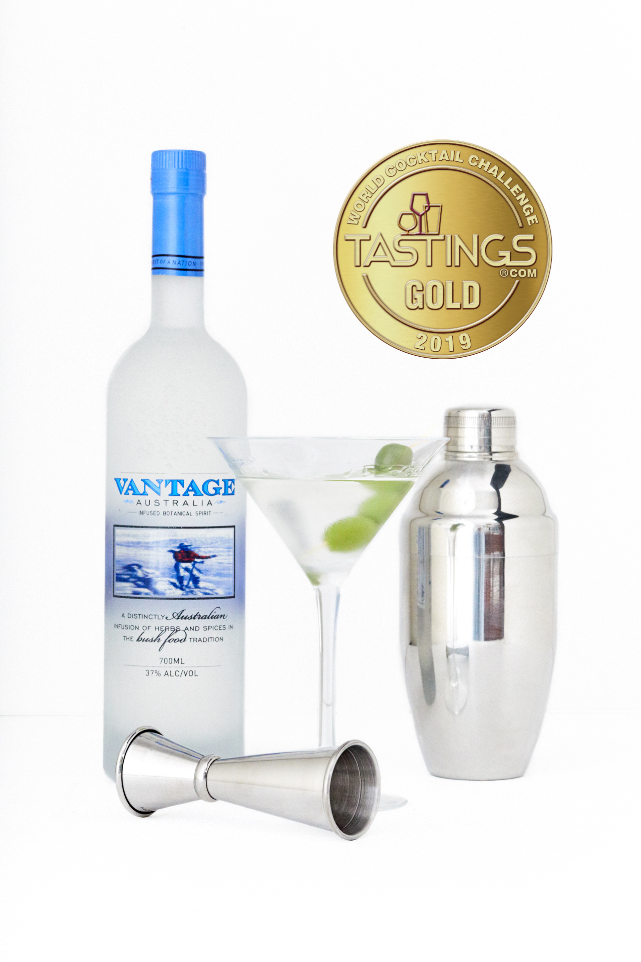 Martini with medallion 700ml.jpg
