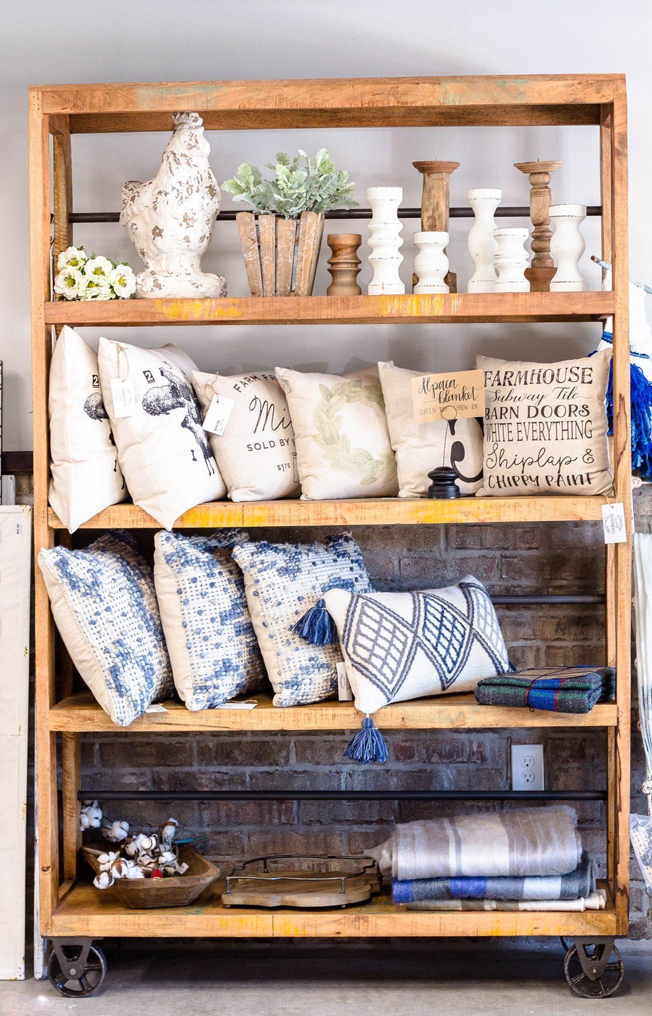 Farmhouse_Living_Storefront_10.jpg