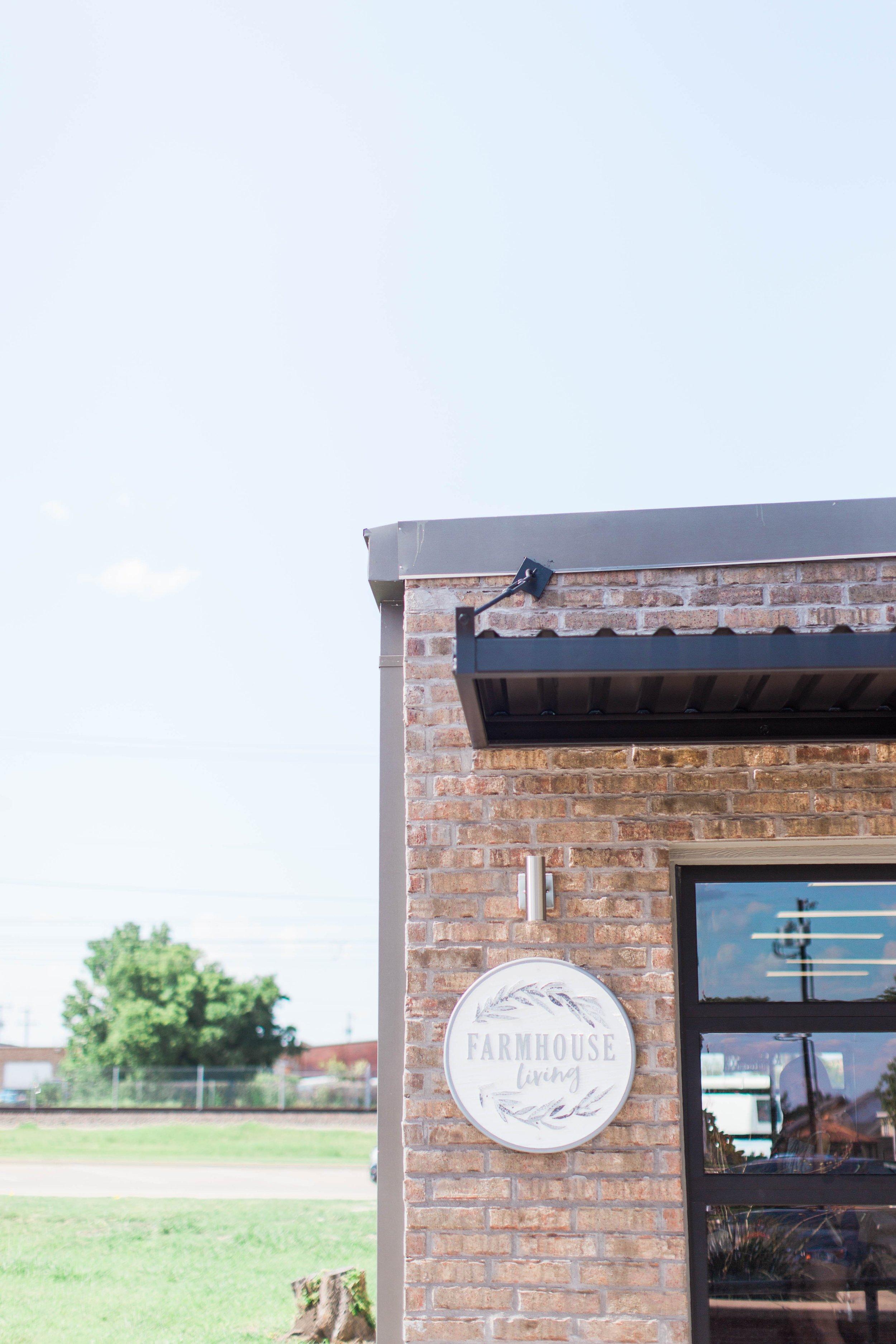 Farmhouse_Living_Storefront_24.jpg
