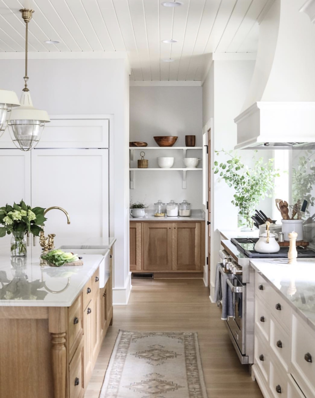 Two Toned Kitchen - Park and Oak Design.jpg