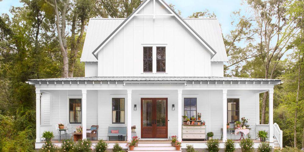 landscape-1460405302-porch-house-front-house-0516.jpg