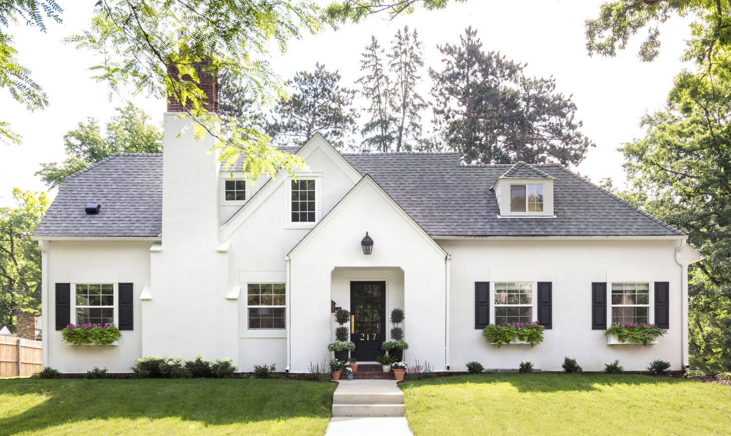 Modern Home Exteriors That Made Us Farmhouse Living