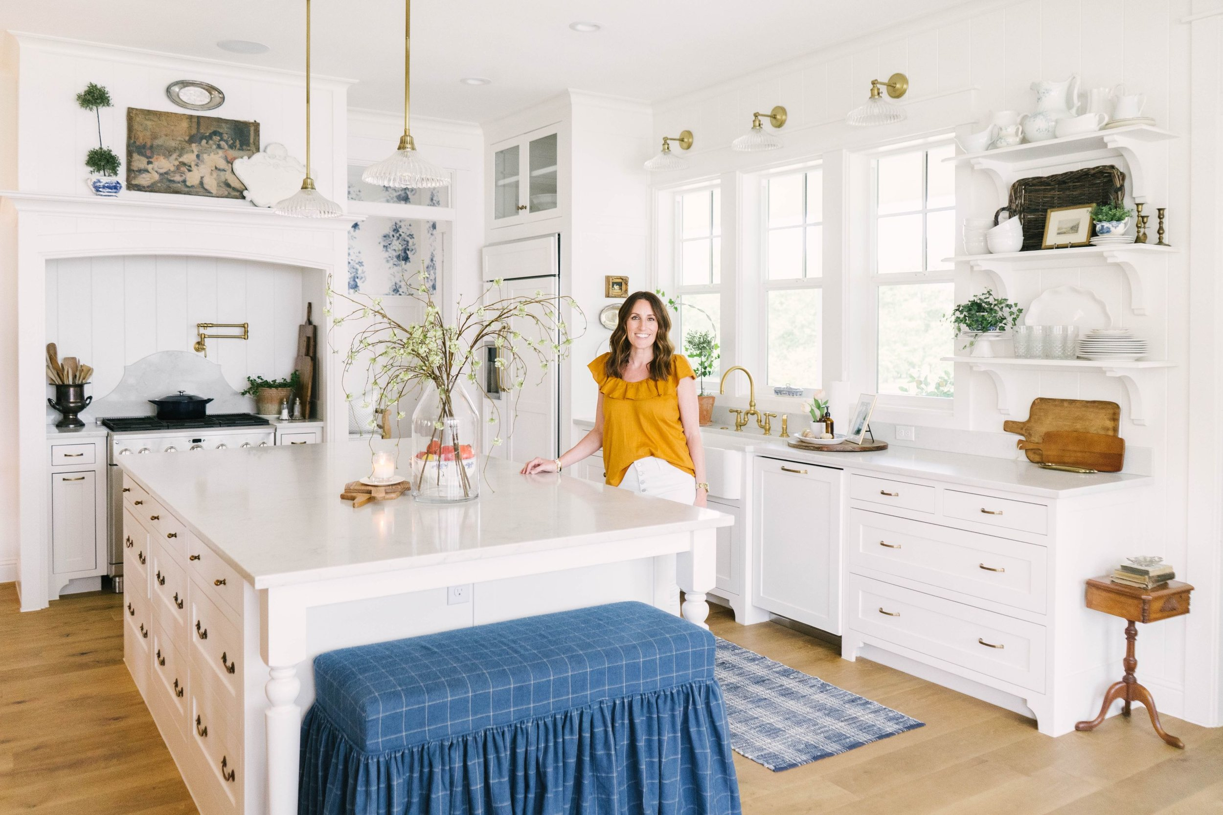 Blooming Ivy Lane Home Tour - Farmhouse Living - Stephanie Benedetto