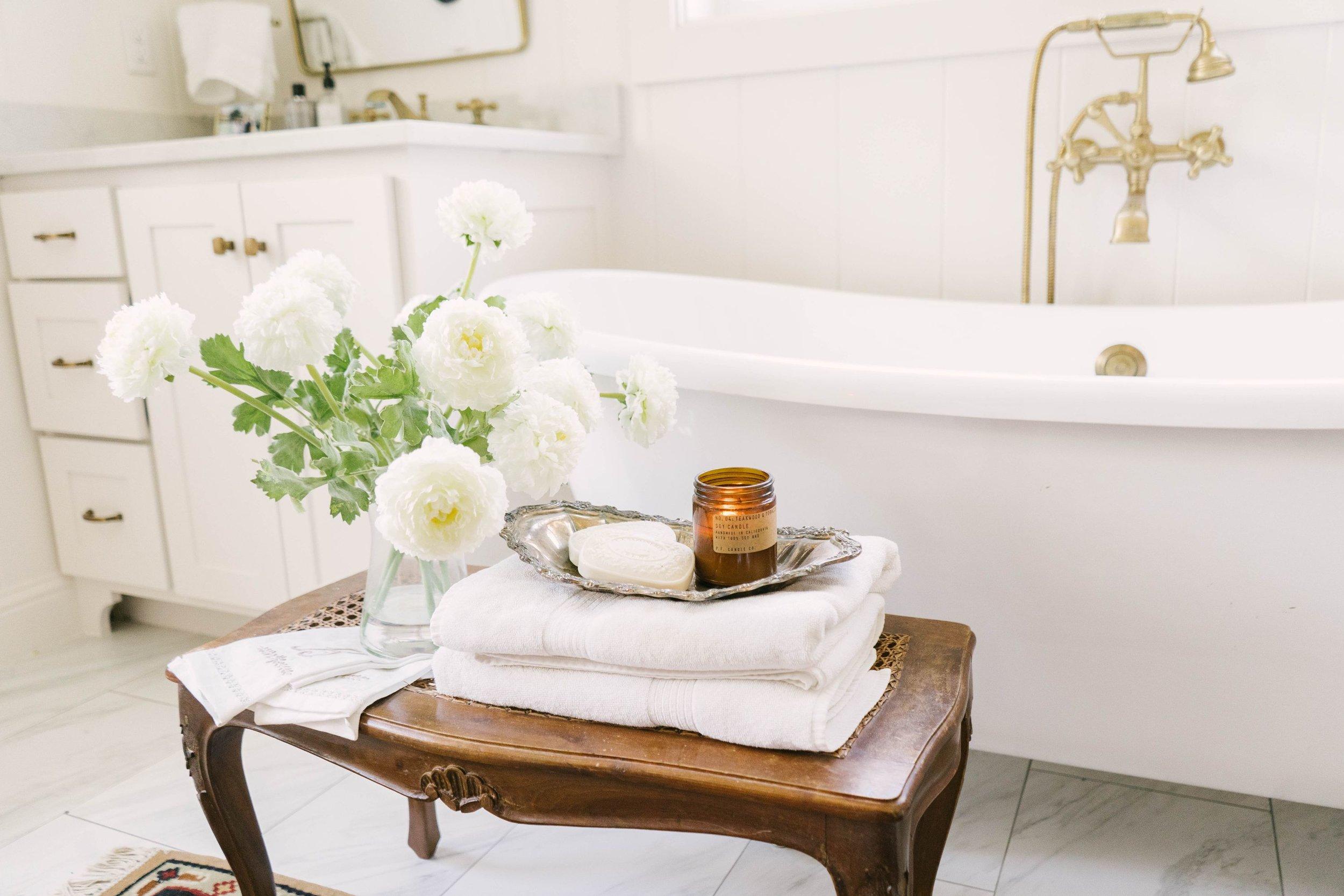 Classic Farmhouse Home Tour - Gold and White Bathroom - Clawfoot Tub