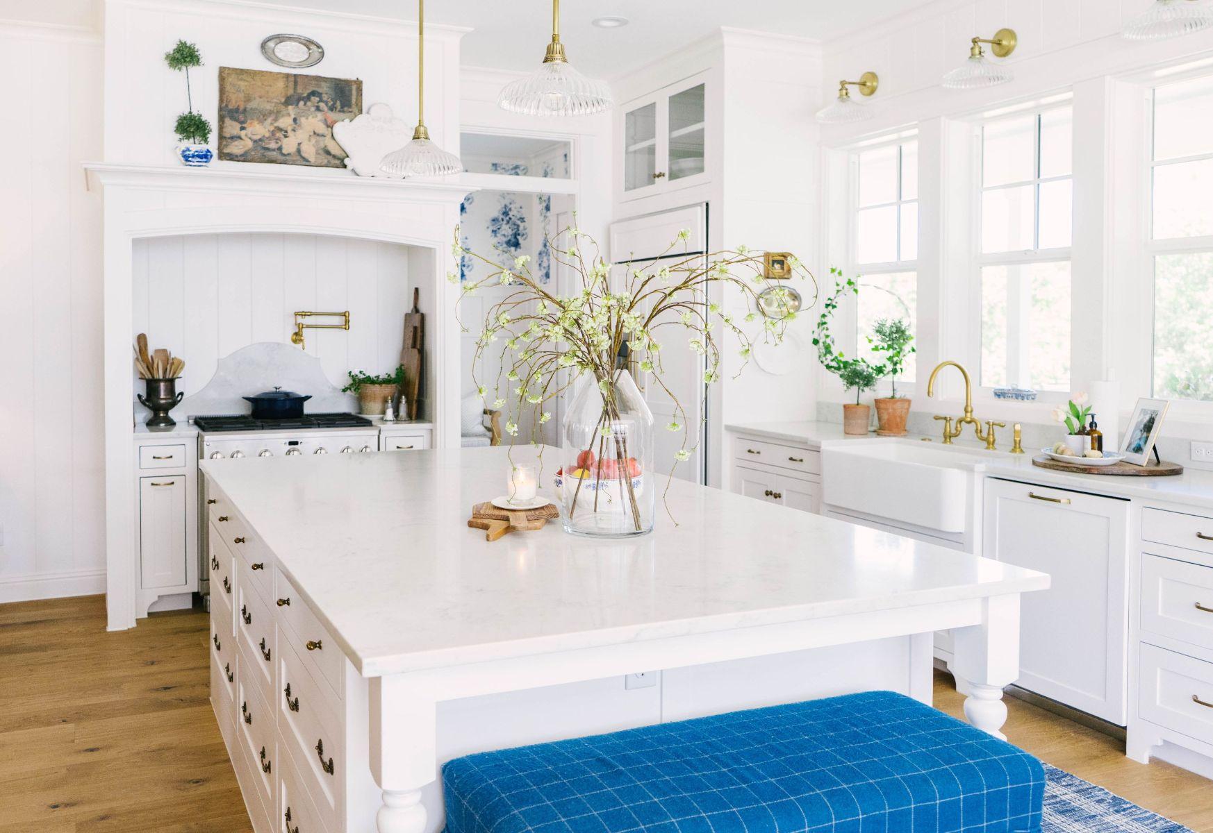 Farmhouse White and Gold Kitchen