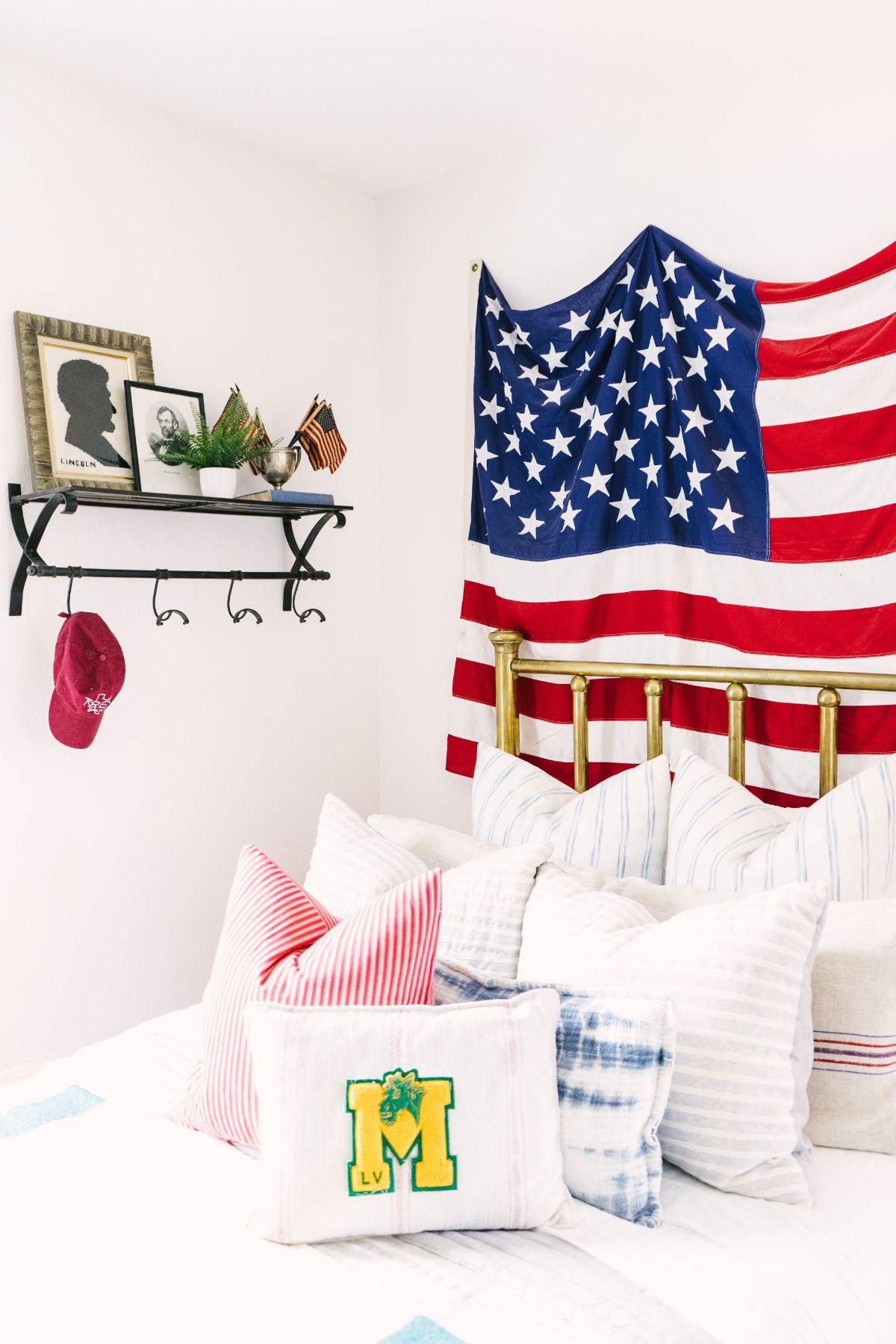 Modern Boys Bedroom - American Flag