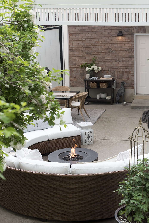 Circular-Outdoor-Lounge-Area.jpg