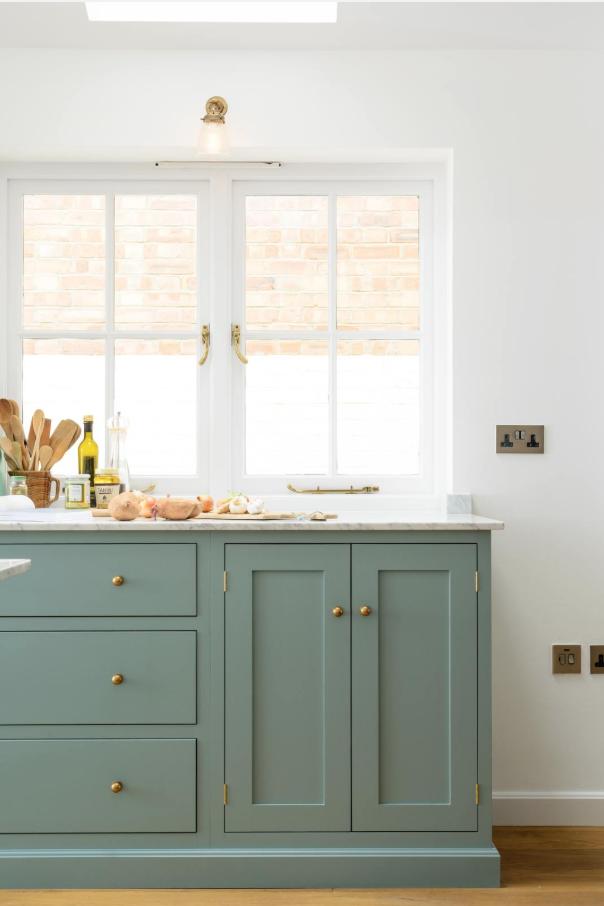green-kitchen-cabinets-5-deVOL-Kitchens.png