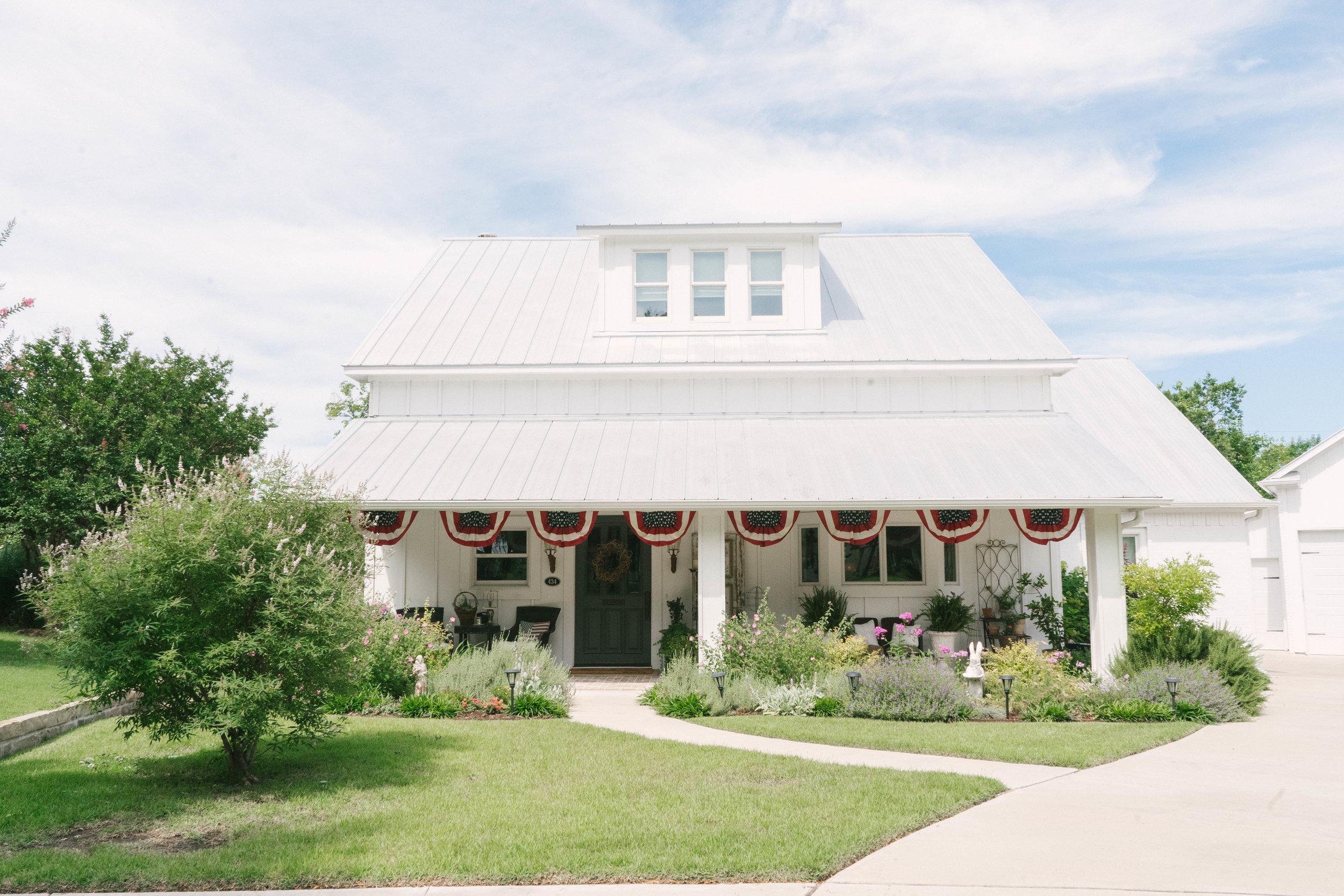 Farmhouse+Home+Tour+-+Vintage+Home+1.jpg