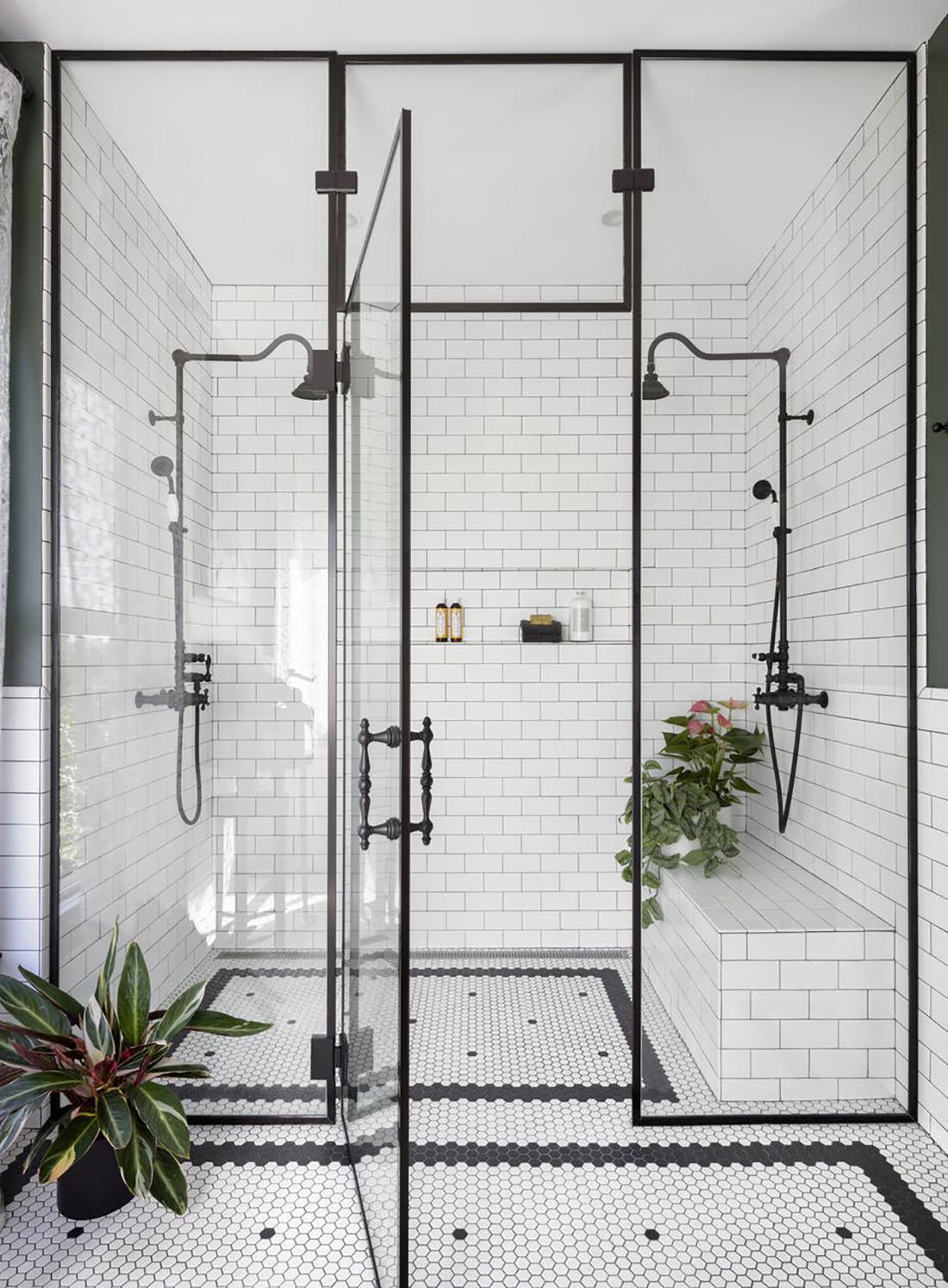 Black and White Bathroom Michelle Dirkse.jpg