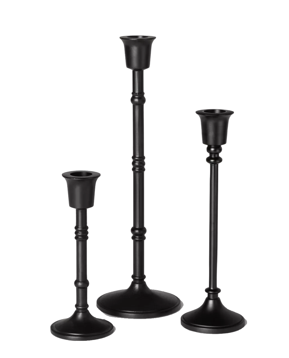 Black Candlesticks.png