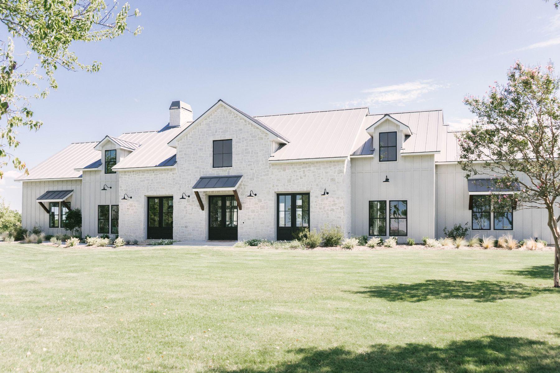Texas Forever Farmhouse - Home Tour-03099.jpg