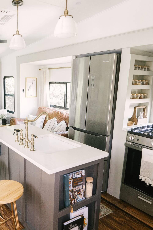 具有农舍风格的翻新房车-Tabitha Paige Fox Hollow Farmhouse Living 53.jpg万博赞助意大利甲级联赛
