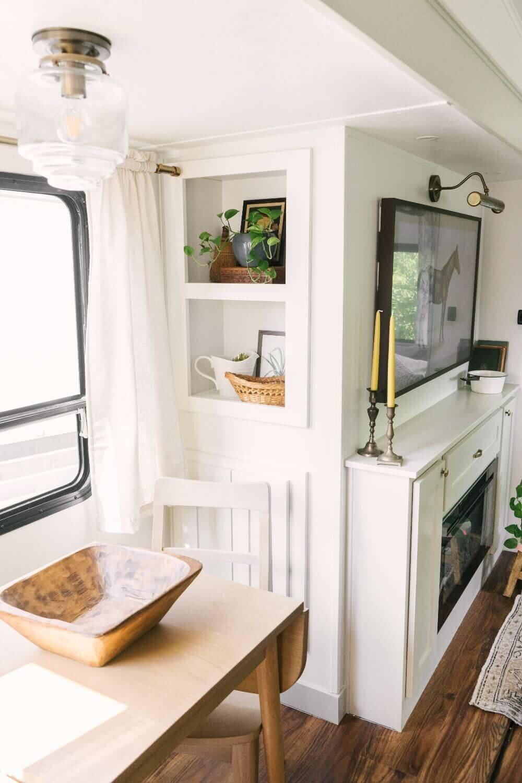 具有农舍风格的翻新房车-Tabitha Paige Fox Hollow Farmhouse Living 63.jpg万博赞助意大利甲级联赛
