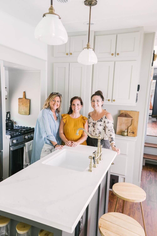 具有农舍风格的翻新房车-Tabitha Paige Fox Hollow Farmhouse Living.jpg万博赞助意大利甲级联赛