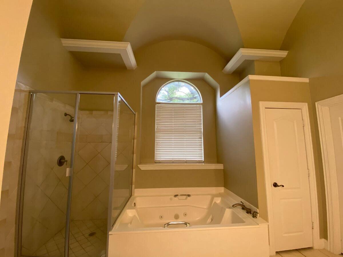 2.JPG之前的主浴室