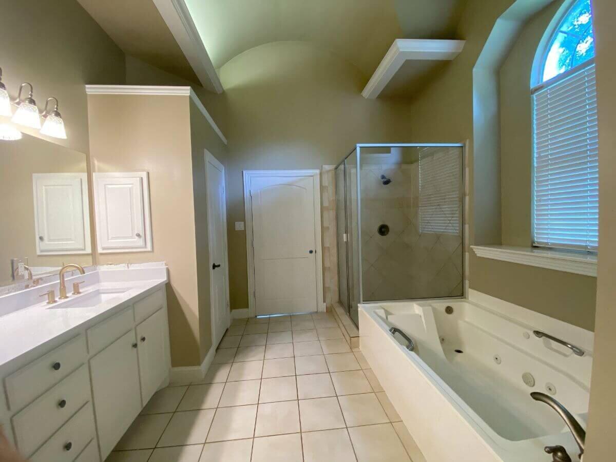 3.jpg之前的主浴室