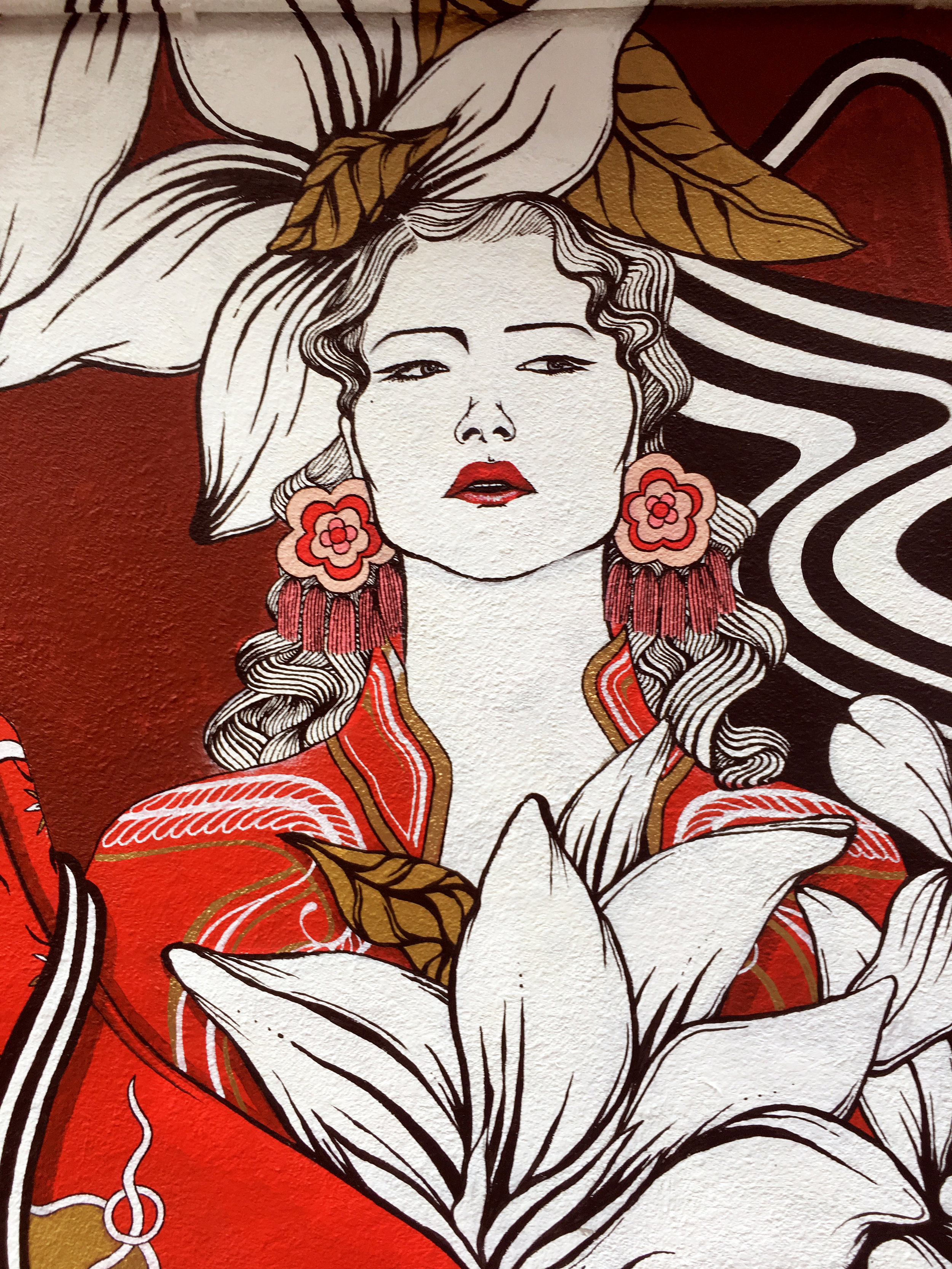 "DETAILS OF THE MURAL  contemporary fusion  INCORPORATED WITH EAR RINGS OF "" CUTCAH.CO """