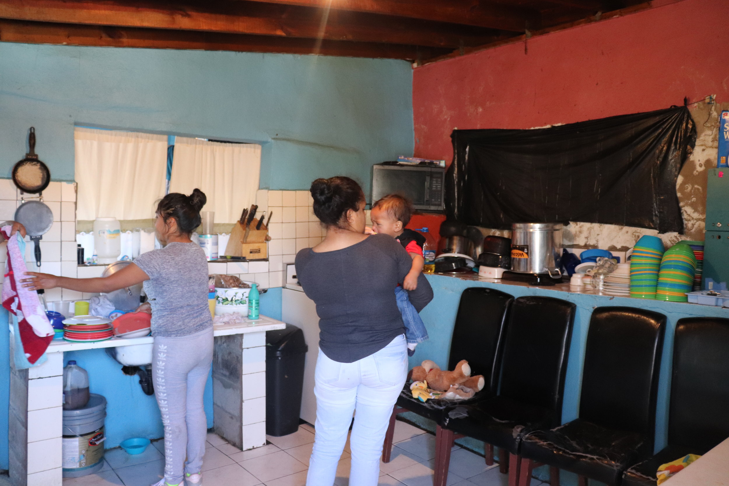 This is the kitchen at La Roca, all of the items are donated. Donations can be made to Cruzando Fronteras at this website: https://fronteras.azdiocese.org