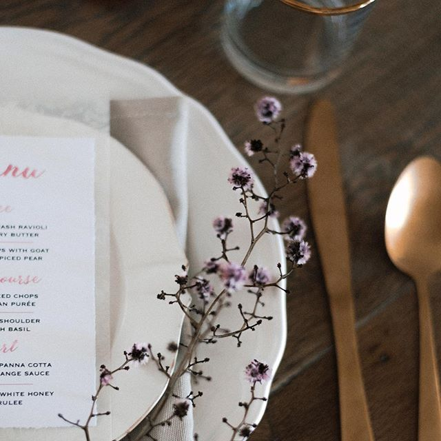 A little sneak peak of a styled shoot collaboration with @abbeyroadcreations (stationary) and @mayflowerweddingphotography (styling & photography) 🍾 #perthweddingphotographer #perthweddingstylist #perthweddingstationery