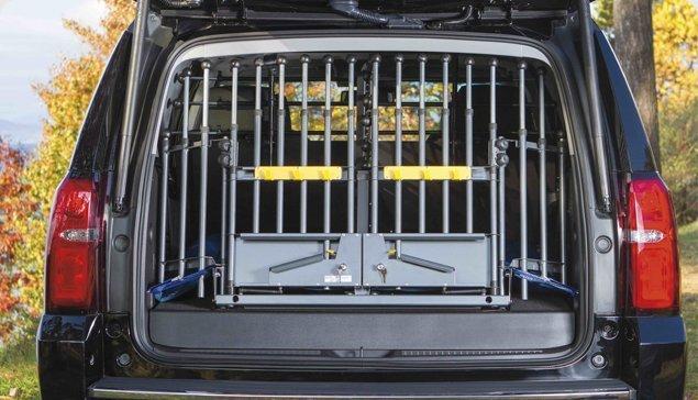 mim-variogate-universal-cargo-barrier-dogs-cars-03.jpg