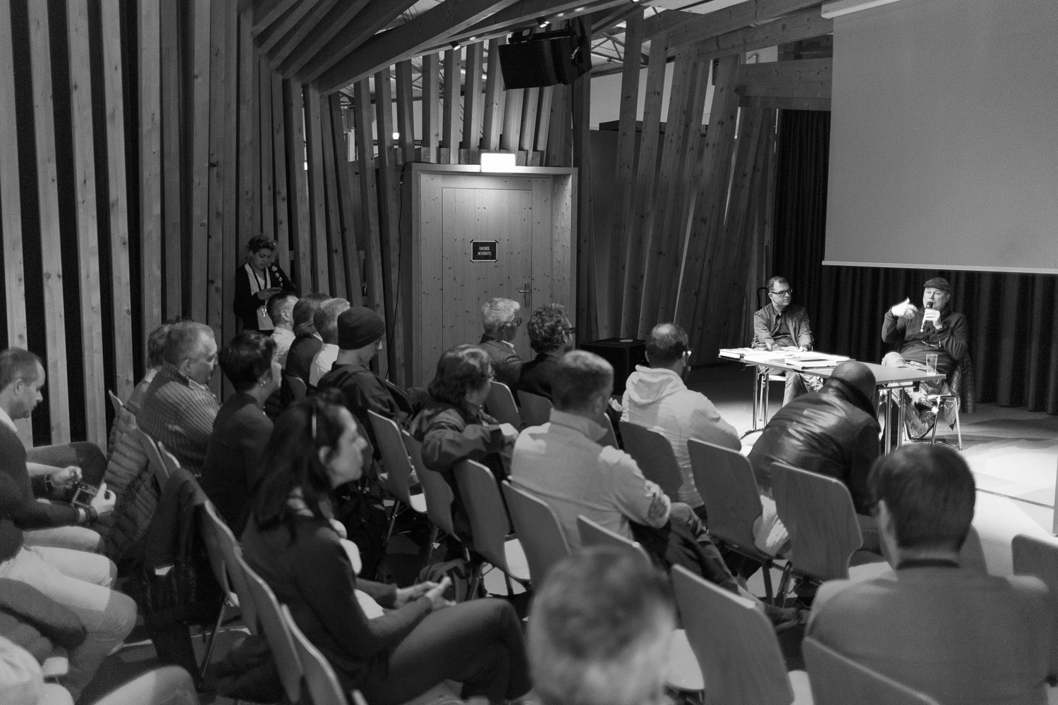 Conference with Jean-Christophe Béchet at the Luxembourg Street Photography Festival 2017 at the Rotondes