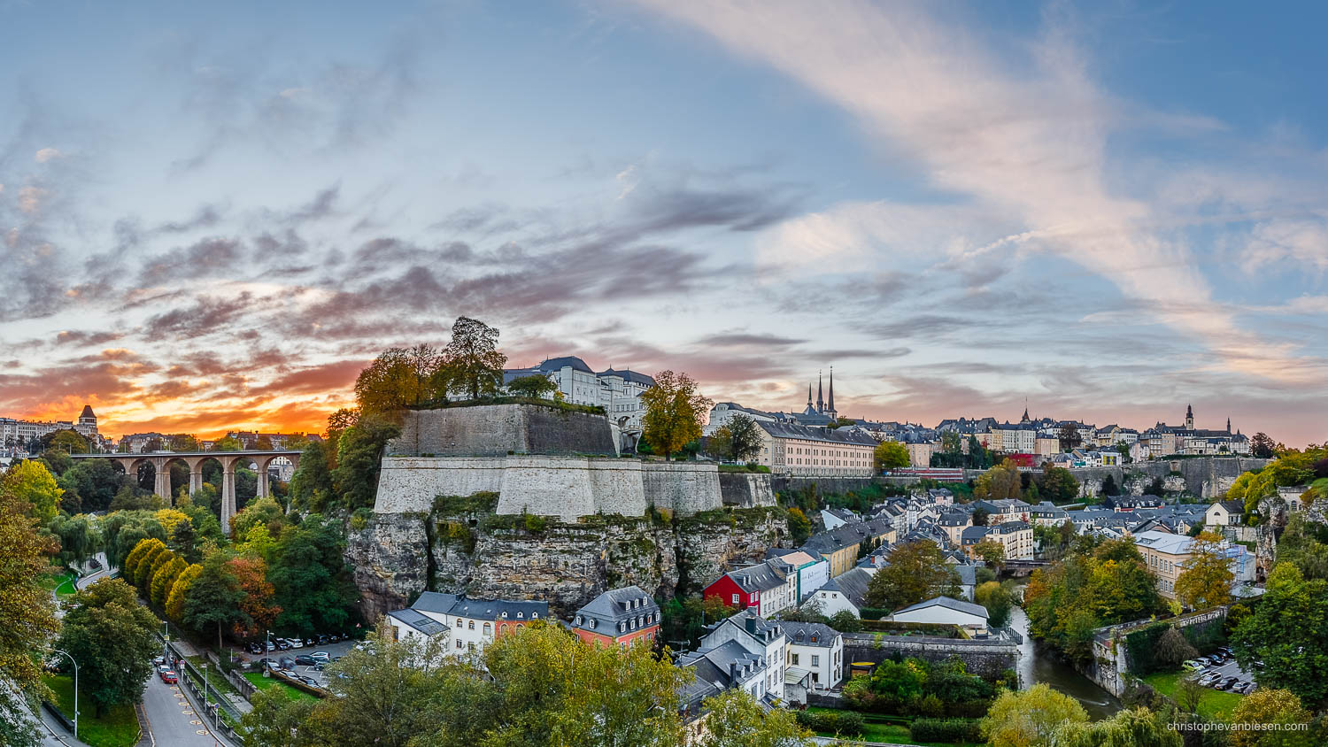 Autumn in Luxembourg - Sunset over the city of Luxembourg with the valley of the Petrusse and the Grund and its Alzette river seperated by the mighty Corniche - Crossroads