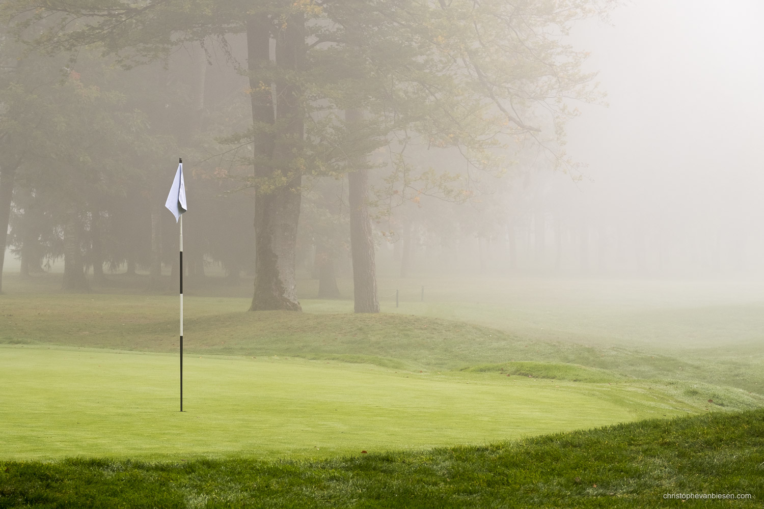 Work with me - Commission Work - Golf Club Grand Ducal Luxembourg Senningerberg - Hole 2 - Photography by Christophe Van Biesen - Luxembourg Landscape and Travel Photographer