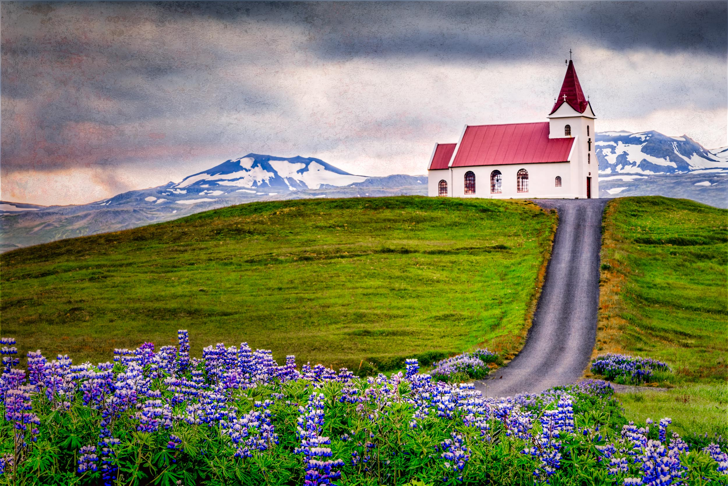 IcelandChurch.jpg