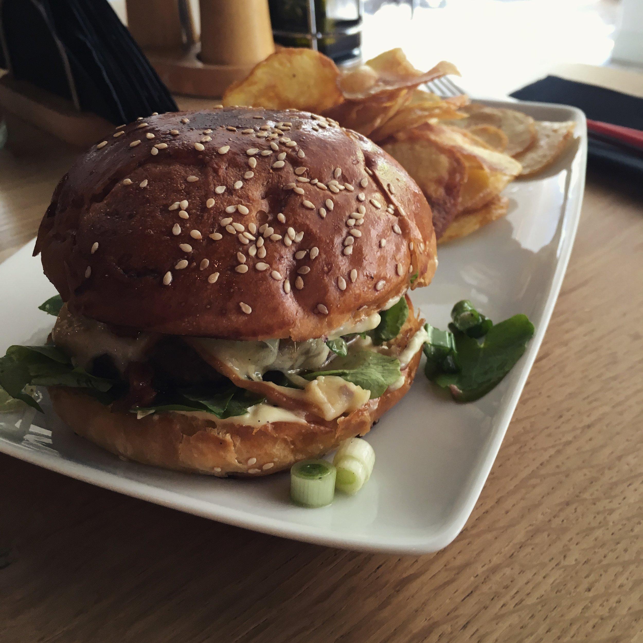burger with celandine
